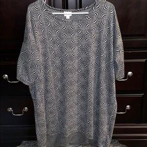 EUC Lg Lularoe black & white patterned Irma